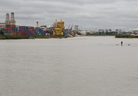 377.rio puerto hombre