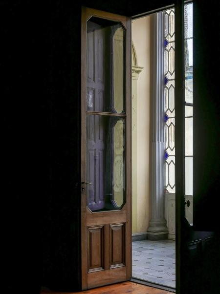 433.ME puerta y pasillo