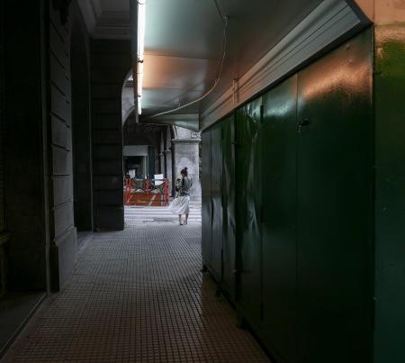 S139.alem kiosco chica