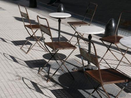 S239.sillas y sombras
