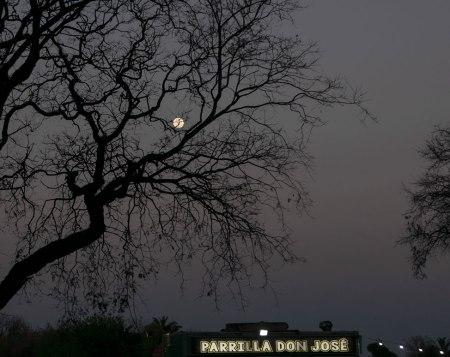 DC-196-luna-y-parrilla