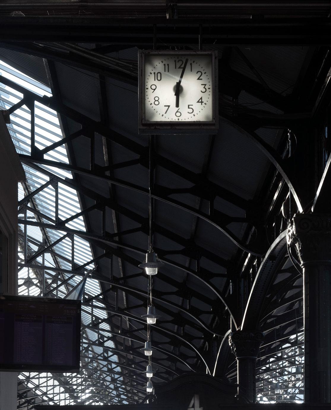 O10-reloj-est-san-martin