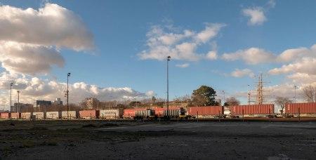 I39=tren-carguero-y-nubes